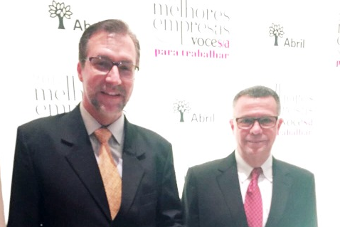 Galetti and Valmir in Melhores Empresas 2017 Ceremony